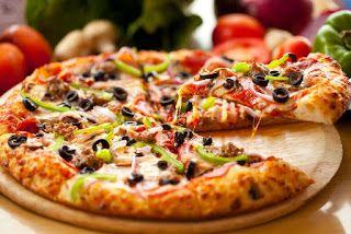 عجينة للبيتزا متل بيتزا هت مقادير بيتزا هت 3 كاسات طحين معلقة سكر كبيرة معلقتين كبار زيت زيتون معلقة كبيرة بكينغ بودر ربع م Delicious Pizza Recipes Food