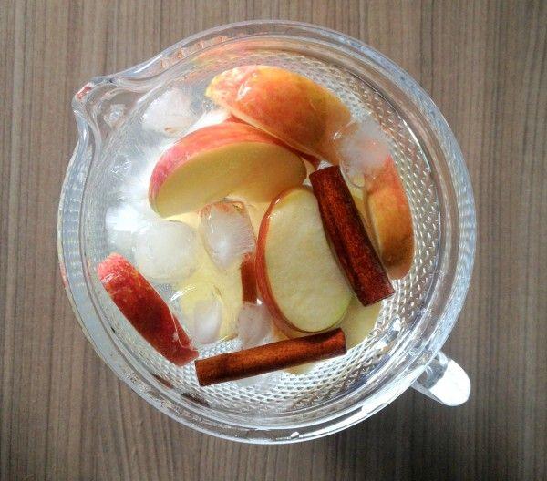 Resultado de imagem para água aromatizada de maçã e canela