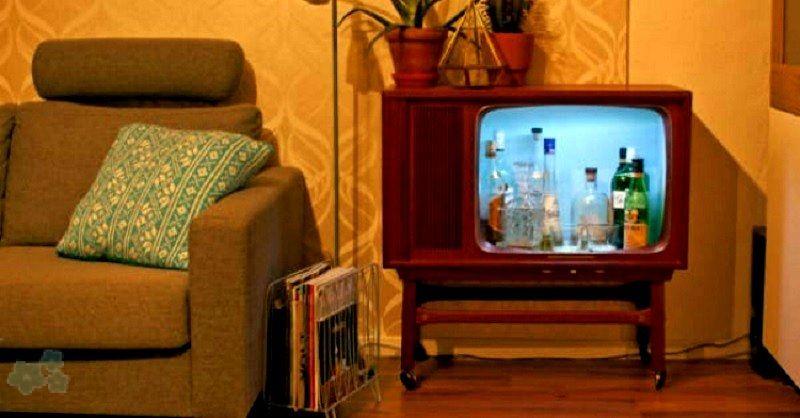 Como reciclar una vieja tele transformándola en un mueble bar muy original. Un proyecto que seguramente no va a dejar indiferente a nadie.