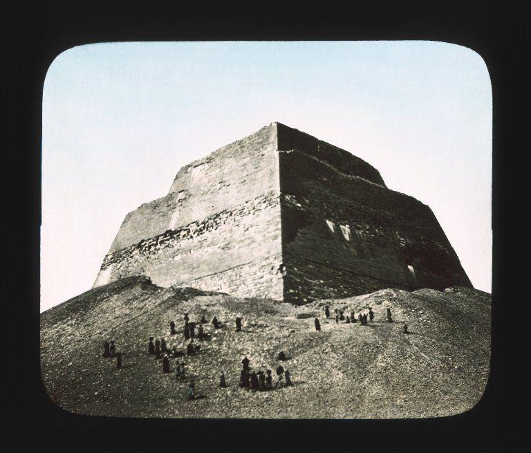 """Views, Objects: Egypt. Gizeh. View 10: Egyptian - Old Kingdom. Temple of Khephren. Gizeh, 4th Dyn."". Lantern slide, 3.25 x 4 in (8.25 x 10 cm). Brooklyn Museum, lantern slides. (S10_08_Egypt_Gizeh10_SL1.jpg)"