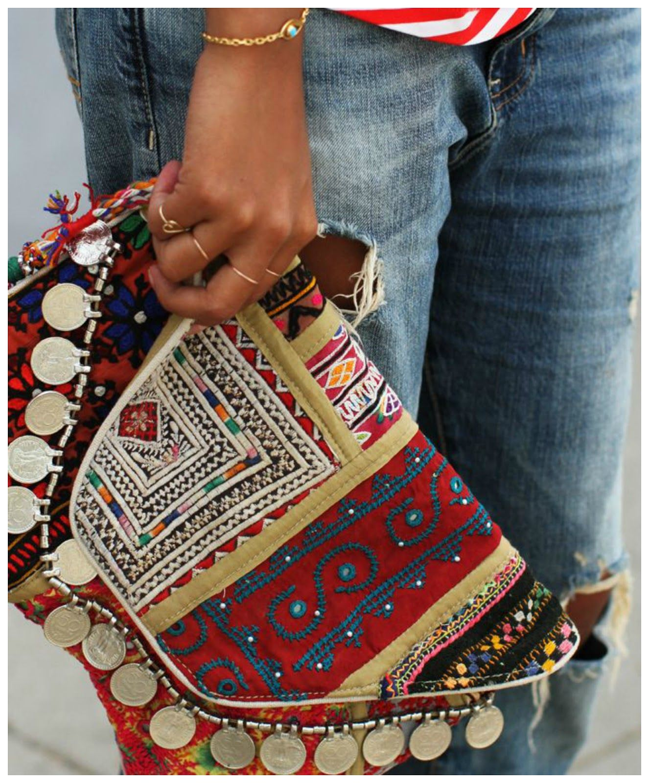 Reflections of a Queen: Ethnic clutch