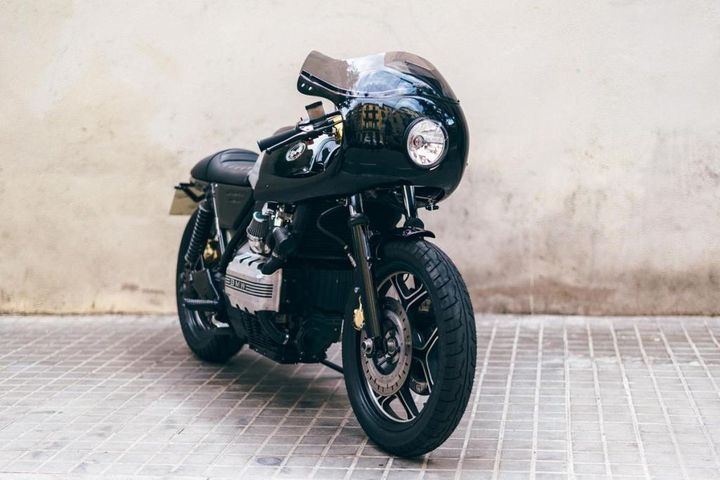 BMW K75 Cafe Racer Flying Brick by The Bike Lab #motorcycles #caferacer #motos   caferacerpasion.com