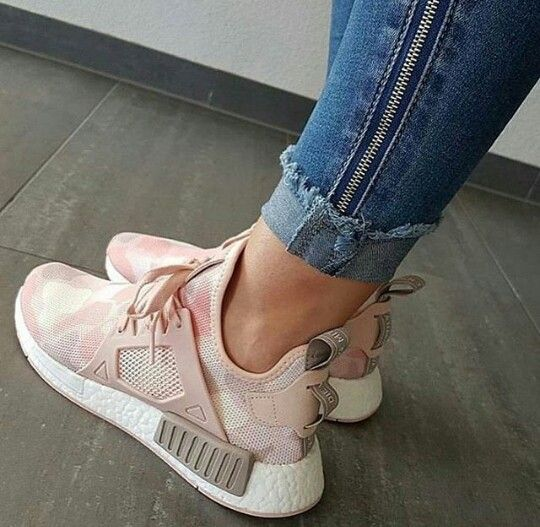 Pin by ✰ Allie Diaz ✰ on Shoes in 2019 Shoes, Adidas    Pin av ✰ Allie Diaz ✰ på Shoes 2019   title=          Shoes, Adidas