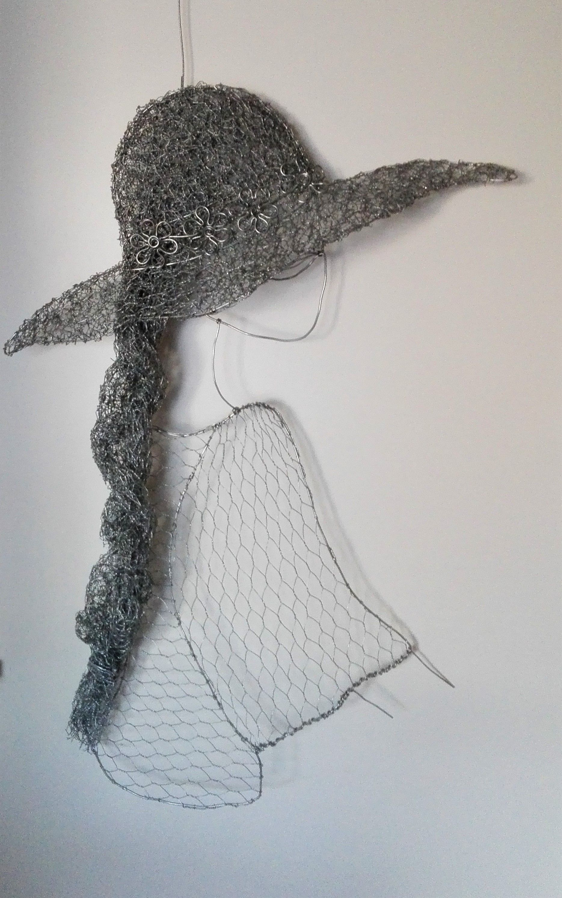 Chicken wire sculpture - Lady with a hat and long plait. | sculpture ...