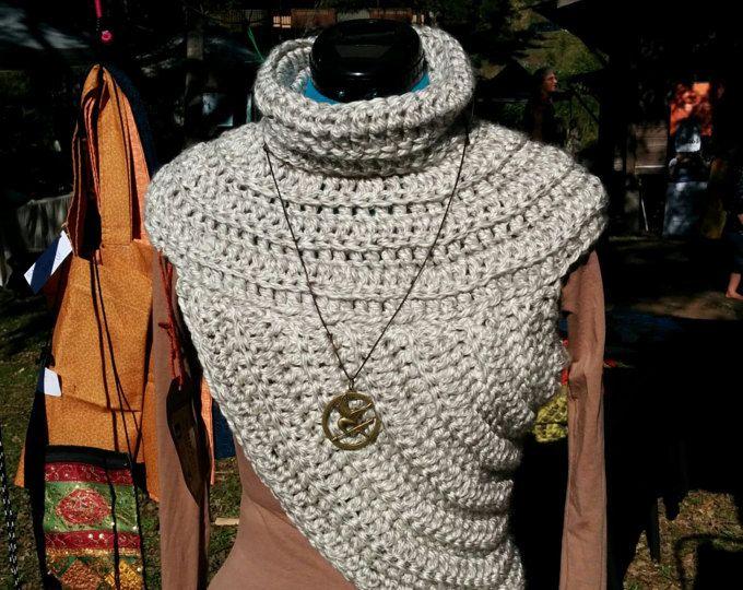 Knitting Pattern Katniss Cowl Huntress Vest Pinterest Chunky