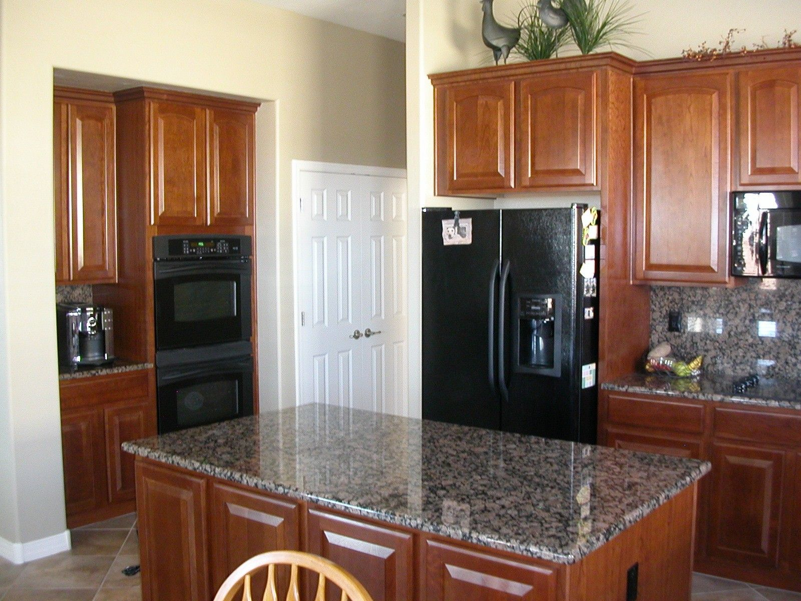Beautiful Stainless Steel Kitchen Ideas For You Black