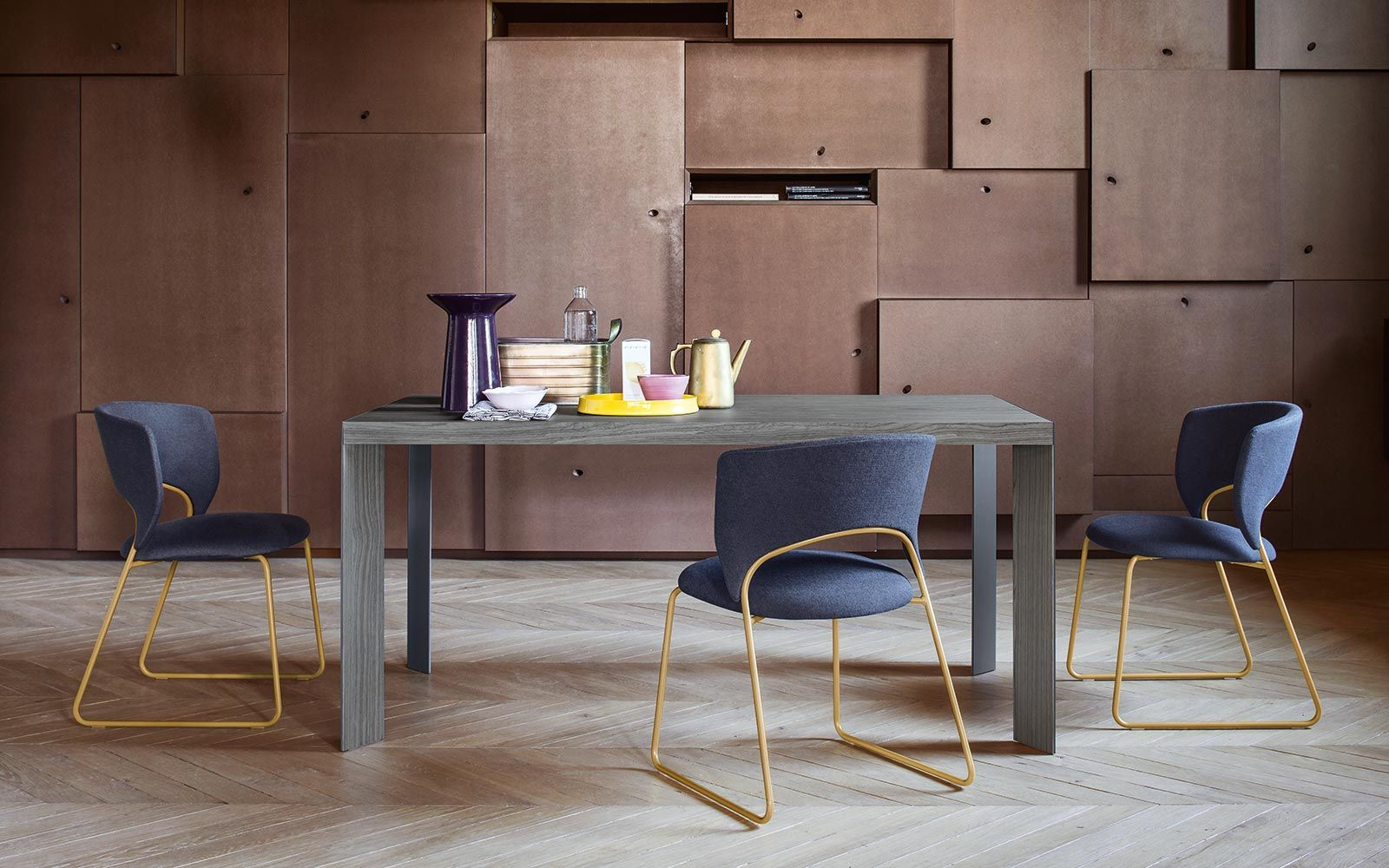 Click here to find out more about the Duffy Chair by Calligaris ...
