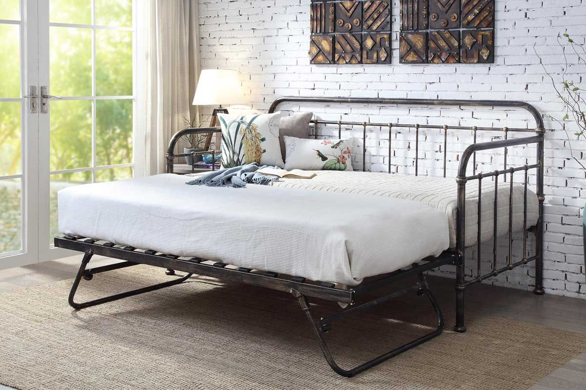 Victorian Hospital Style Antique Black Metal Day Bed Guest Pull