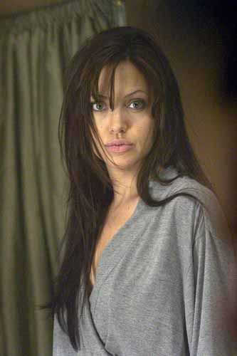 Angelina Jolie In Taking Lives Right My Leg Touched Your Leg At