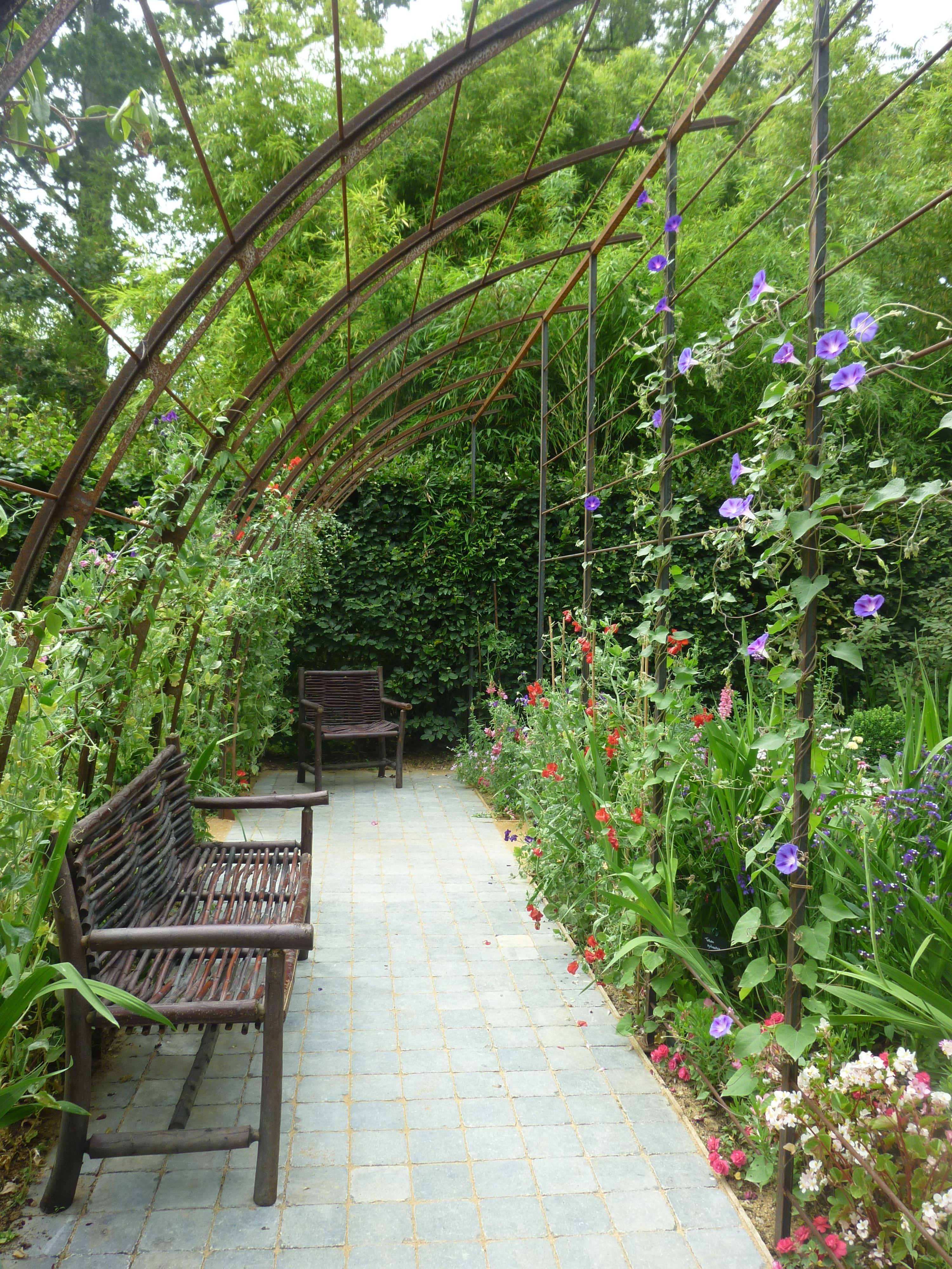 Le Jardin Des Plantes Oubliees Festival International Des