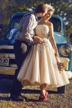 Tea-Length-Vintage-Wedding-Dress