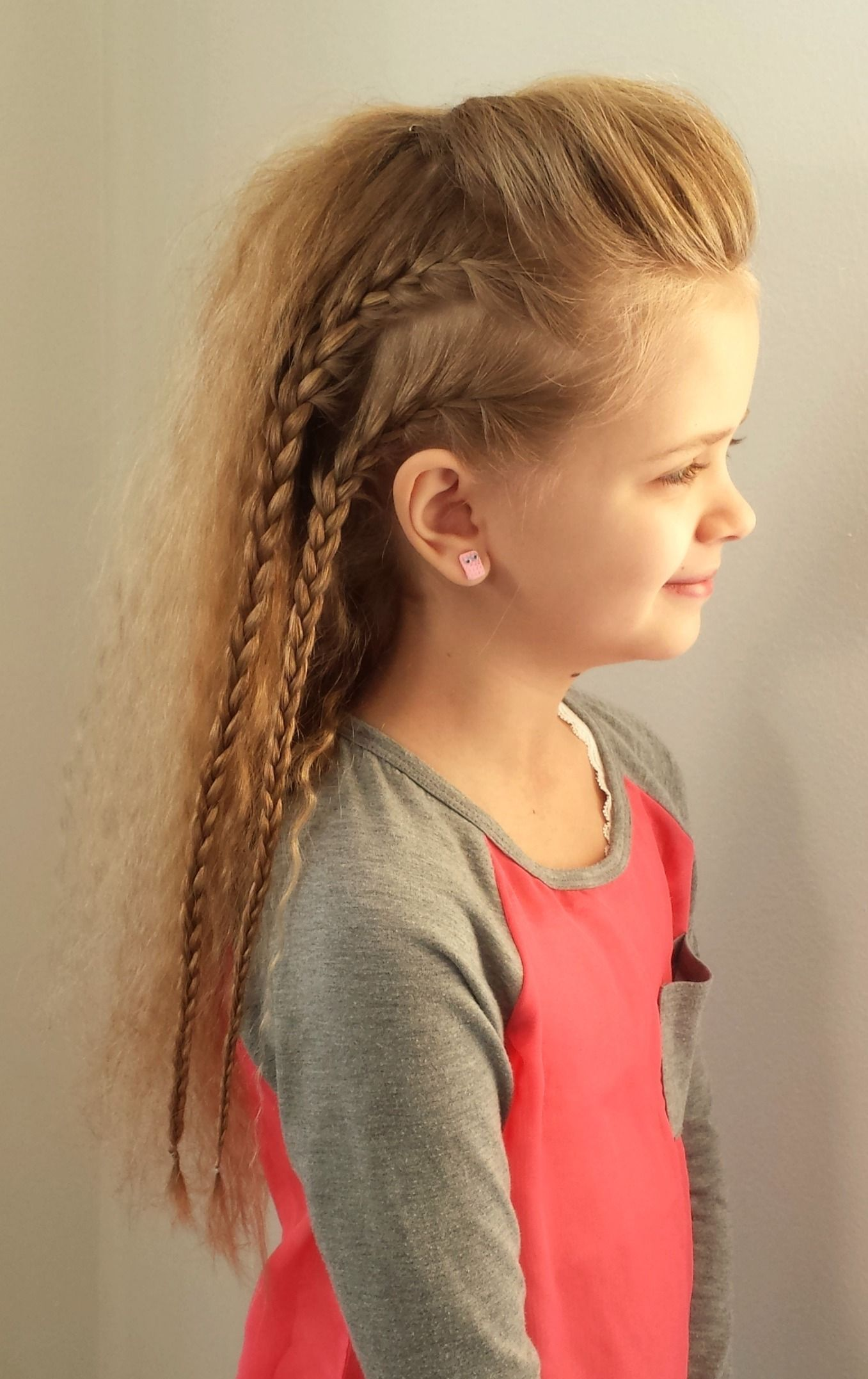 Viking Hairstyle This Style Is Inspired By Lagertha There Is A Great Tutorial By Silvousplaits I H Little Girl Hairstyles Little Girl Haircuts Hair Styles