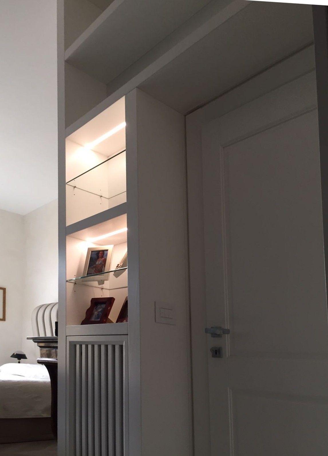 Camera Matrimoniale A Ponte Su Misura.In Questa Lussuosa Camera Da Letto Abbiamo Realizzato Una Libreria