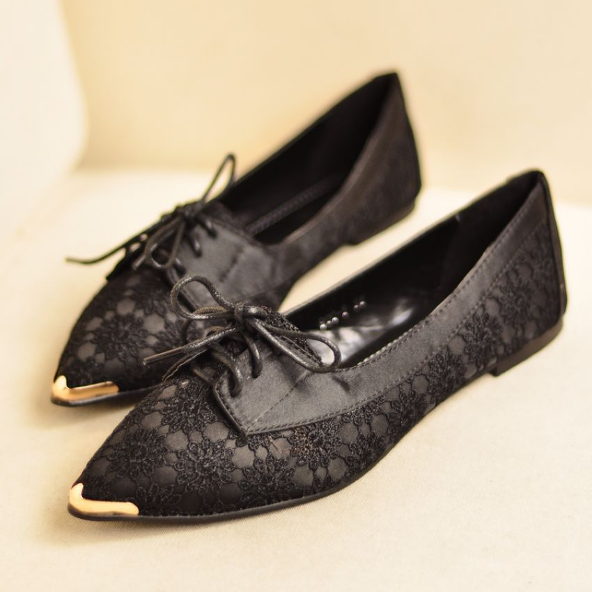 shoes - http://zzkko.com/n185435-013-New-European-and-American-style-retro-carved-lace-ladies-flat-heel-Pointed-shoes-low-to-help-break.html $11.67