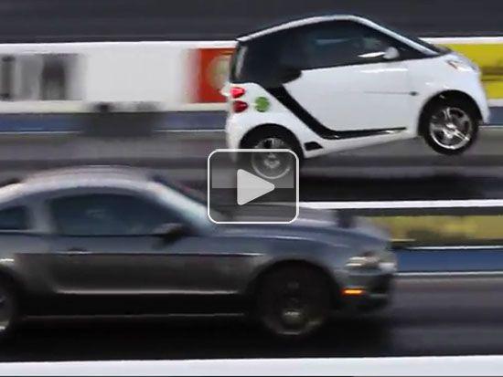 Smart Car Absolutely Destroys Mustang At Drag Race Video Smart Car Drag Race Car