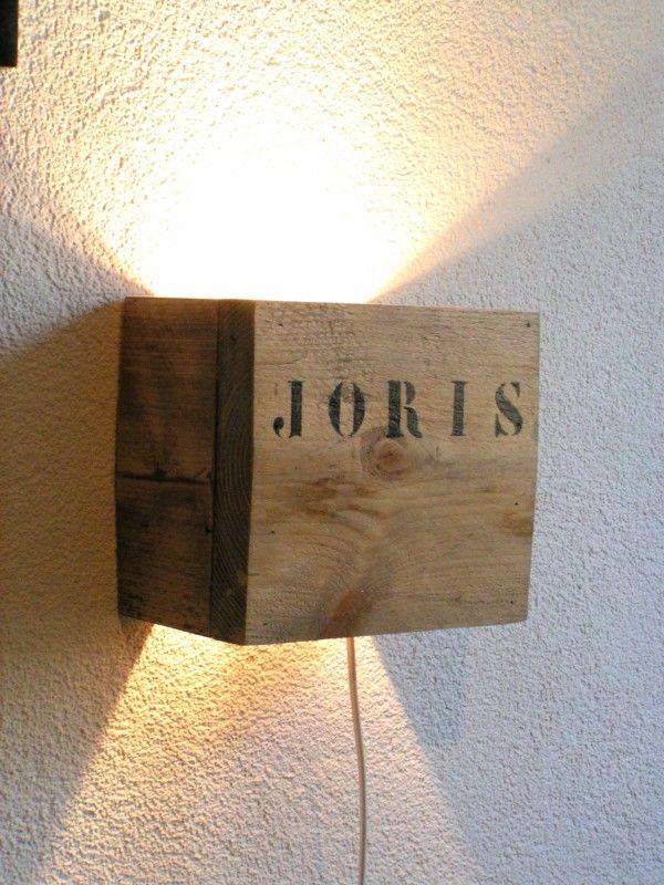 wandlamp naturel of wit met eigen naam stoere lampen in de wijde wereld houten