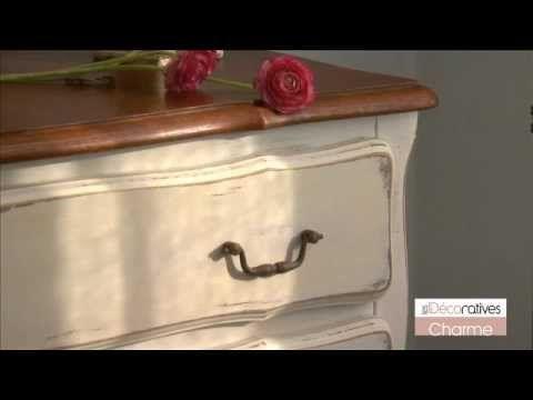 Peinture Les Decoratives Charme Sur Www Produitsdeco Com Youtube Comment Decaper Un Meuble Retaper Un Meuble Decaper Un Meuble