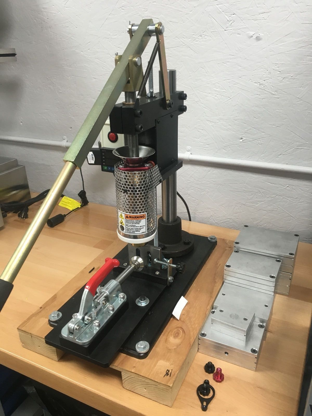 Lns Technologies Pim Shooter Plastic Injection Machine