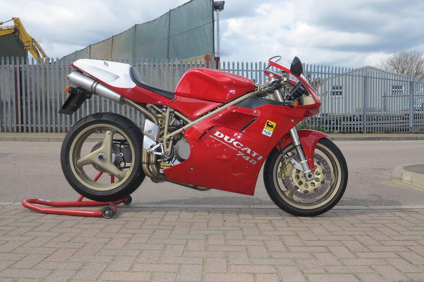 Ducati 748 1998 Sold