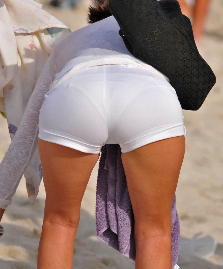 WHITE PANTS BLACK MILF VPL