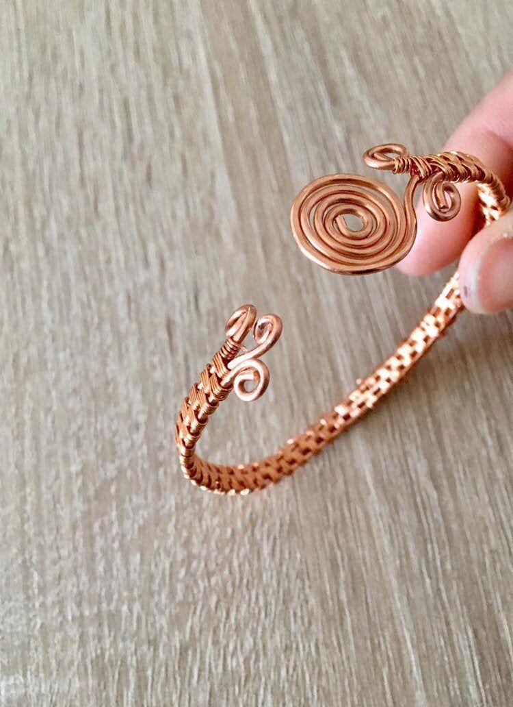 Brazalete de alambre envuelto, pulseras tejidas a mano, brazalete de cobre, hecho a mano, brazalete ajustable, regalo para ella, ideas únicas de regalo.
