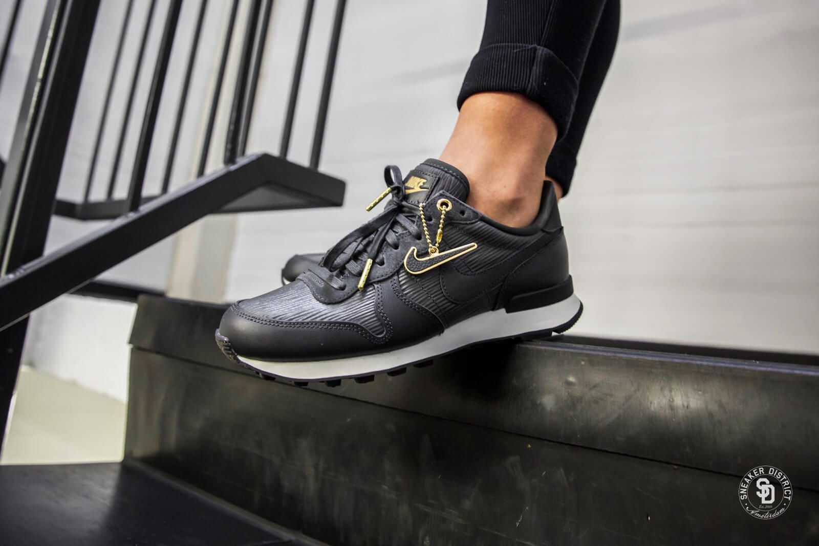 Nike Women's Internationalist Premium AnthraciteSummit