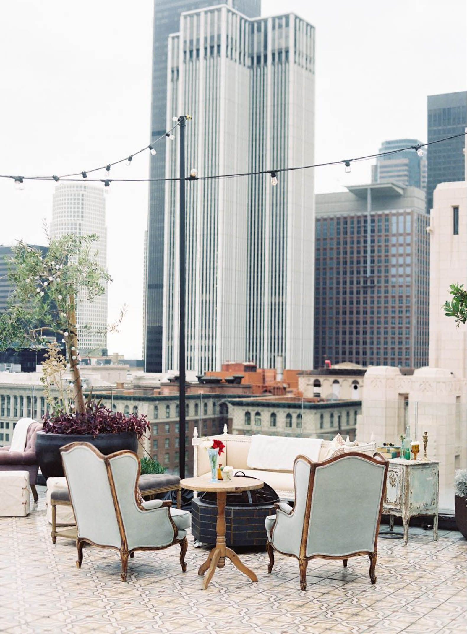 Perch High In The Sky For A Rooftop Revelry Los Angeles Restaurants Summer Decor Craftsman Decor