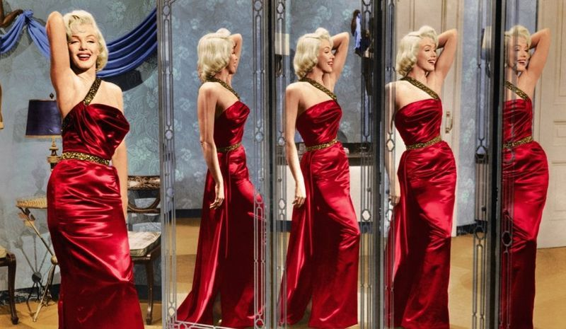 Marilyn monroe robe rouge