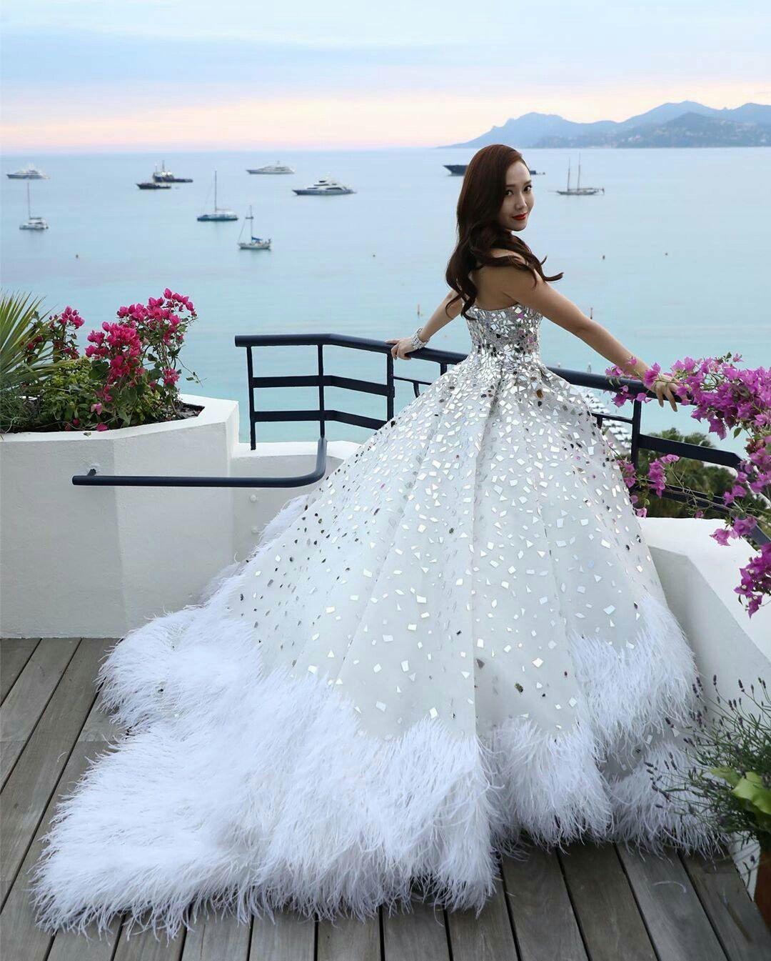 Pin Oleh Mymiris M Di Jessica Jung Gaun Kecantikan Putih