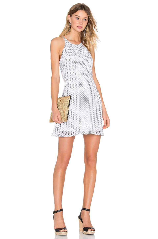 22bccdff28521 Yazlık Kısa Elbiseler - Elbise Kombinleri 2019 Yazlık Elbise Modelleri Beyaz  Kısa Boyundan Askılı Desenli Pembe