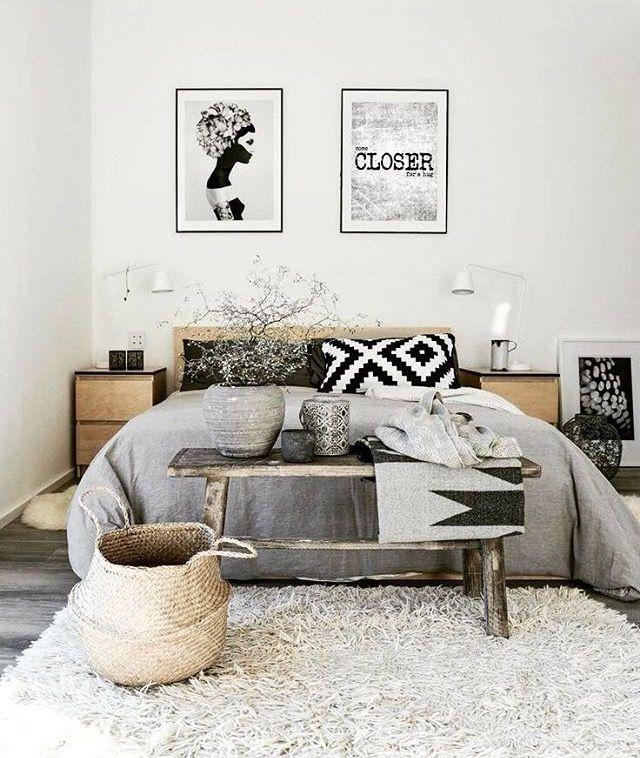dormitorio en blanco negro y texturas naturales mezcla de tnico con l neas sencillas home. Black Bedroom Furniture Sets. Home Design Ideas