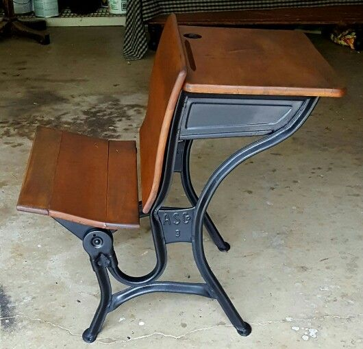 Early 1900's #3 School Desk - American Seating Company - Early 1900's #3 School Desk - American Seating Company Fry's