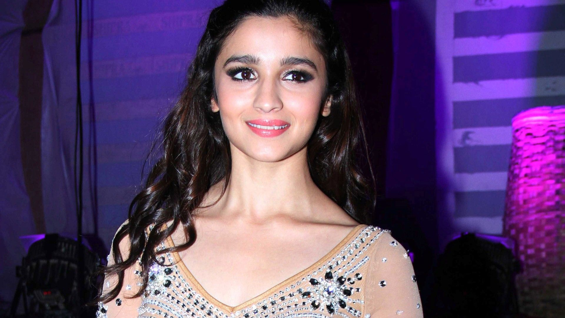 alia bhatt wallpapers free download hd cute bollywood actress images