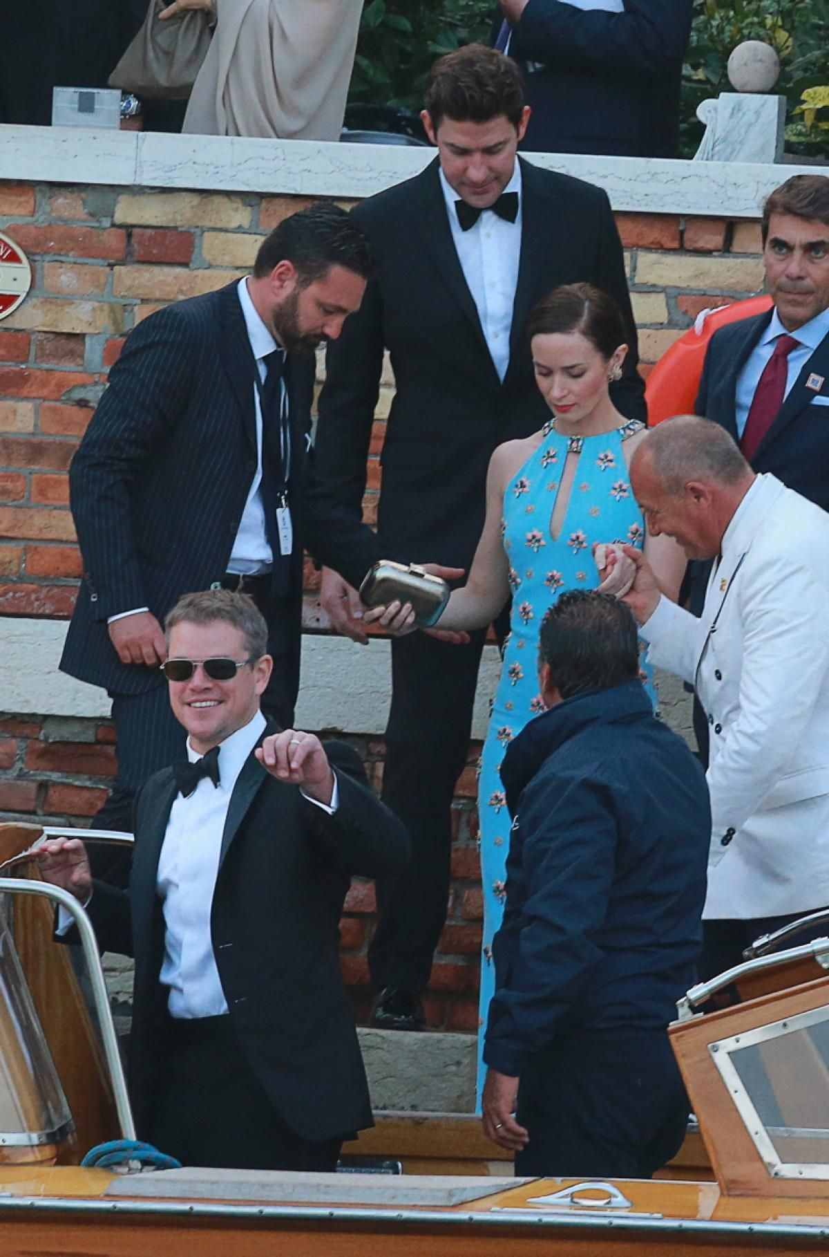 Matt Damon And Emily Blunt Photos Happy Anniversary George And Amal Clooney George Clooney Wedding Matt Damon George Clooney