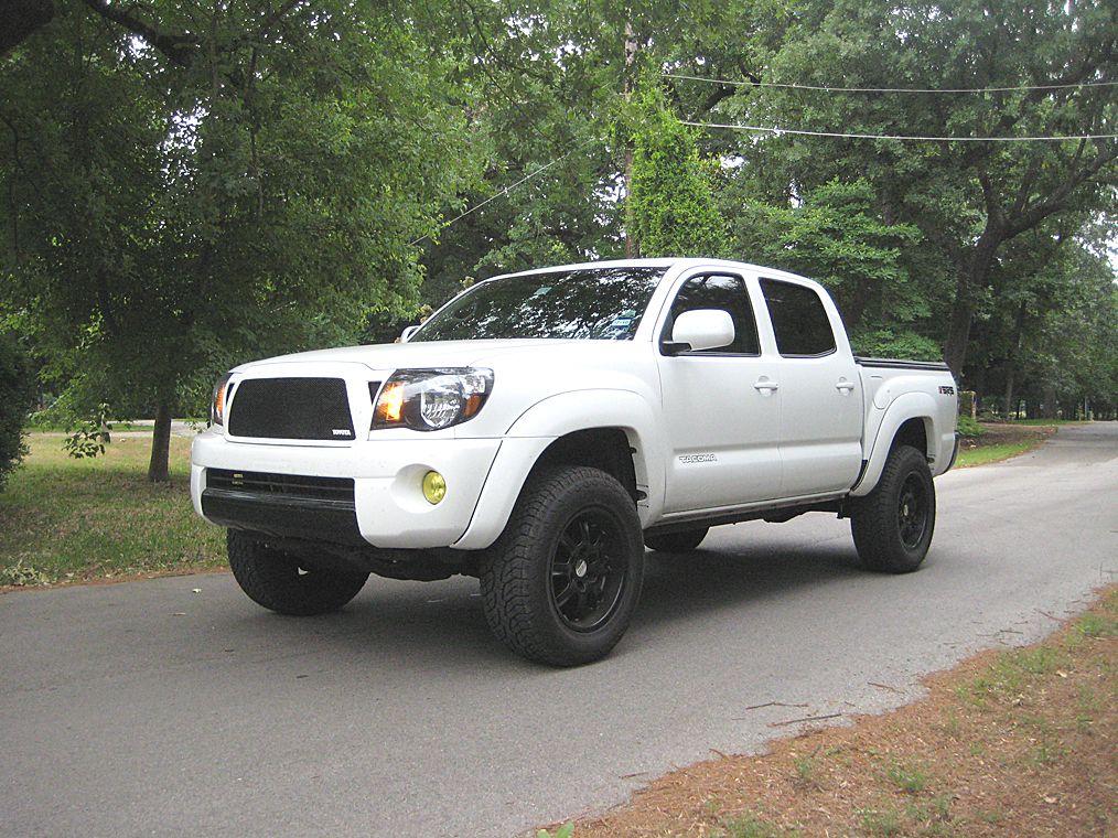 KPT's super white build truck, world