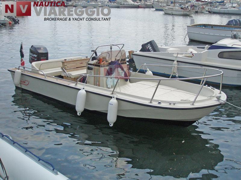 Boston whaler 18 Outrage