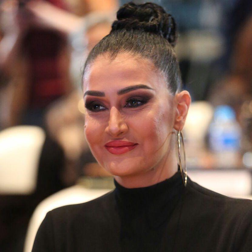 اجمل صور غادة عبد الرازق بفستان اسود عاري الظهر Black Dress Fashion Hoop Earrings