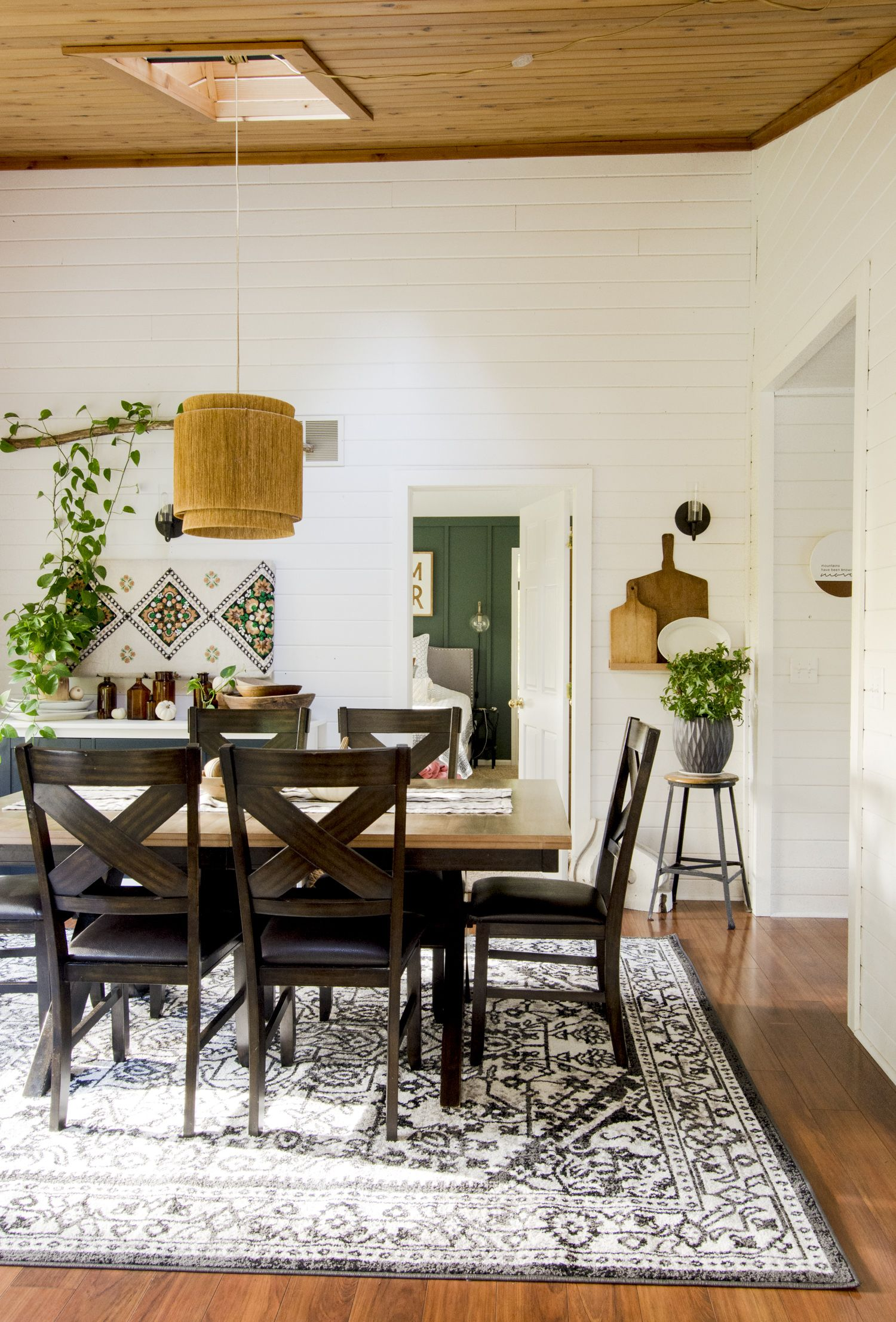 20+ Farmhouse Kitchen & Dining Tables for Any Budget