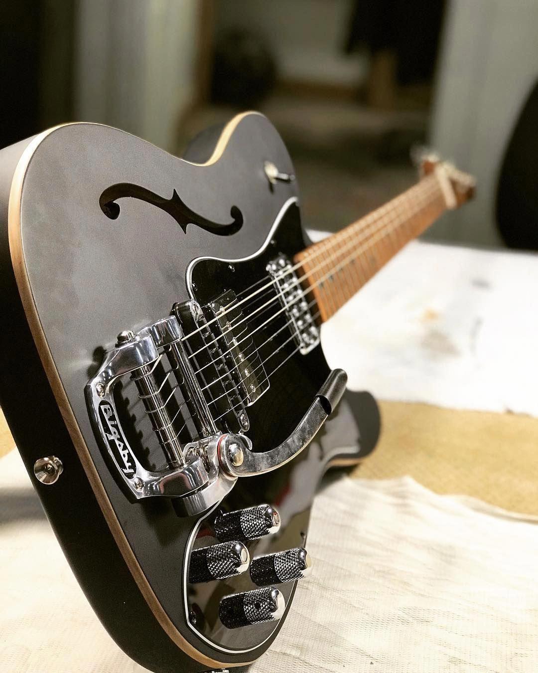 ผลการค้นหารูปภาพสำหรับ Stratocaster  guitar
