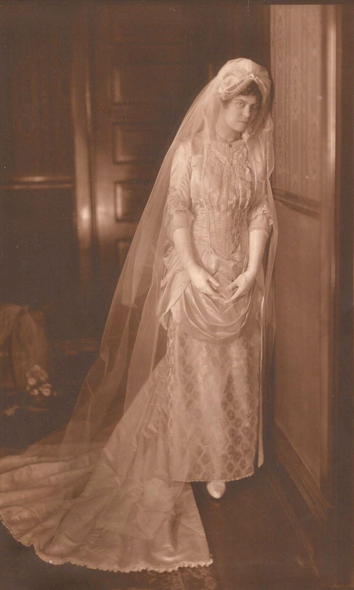 Vintage Brides - 1885 Bride.