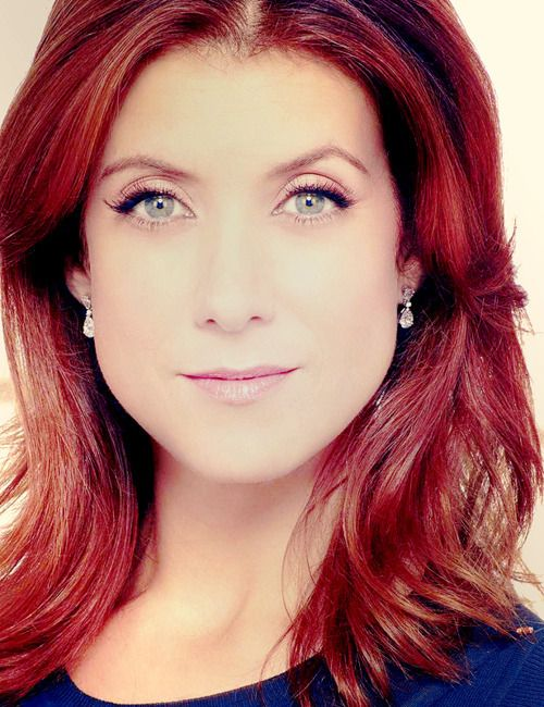 Kate Walsh Is Flawless And She Makes Wearing Red Look Hot I Rest My Case Yep I Am A Kate Walsh Admirer