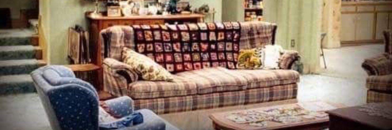 Birdankle Roseanne On Twitter Home Decor Living Room Couch Roseanne living room zoom background