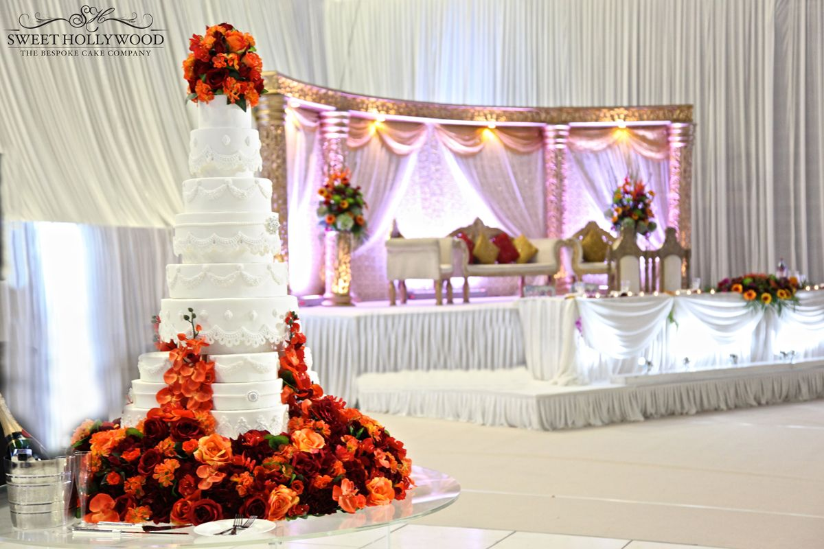 18 Tier Wedding Cake To Feed Just Under 1000 Guests At An Asian Reception In