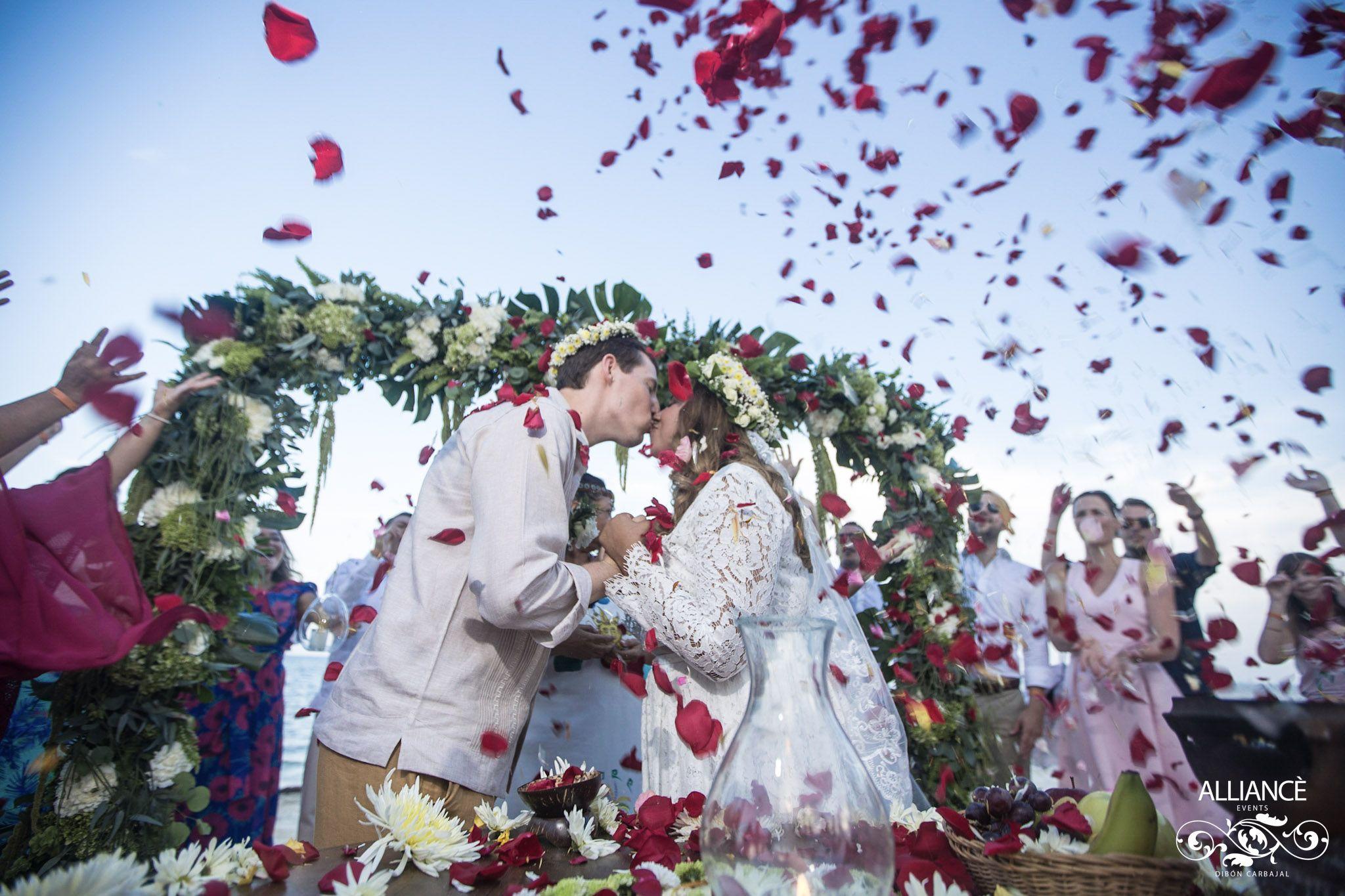 Traditional wedding decor ideas 2018  Bodas  Bodas  Cancún Wedding Tulum Wedding Top Wedding
