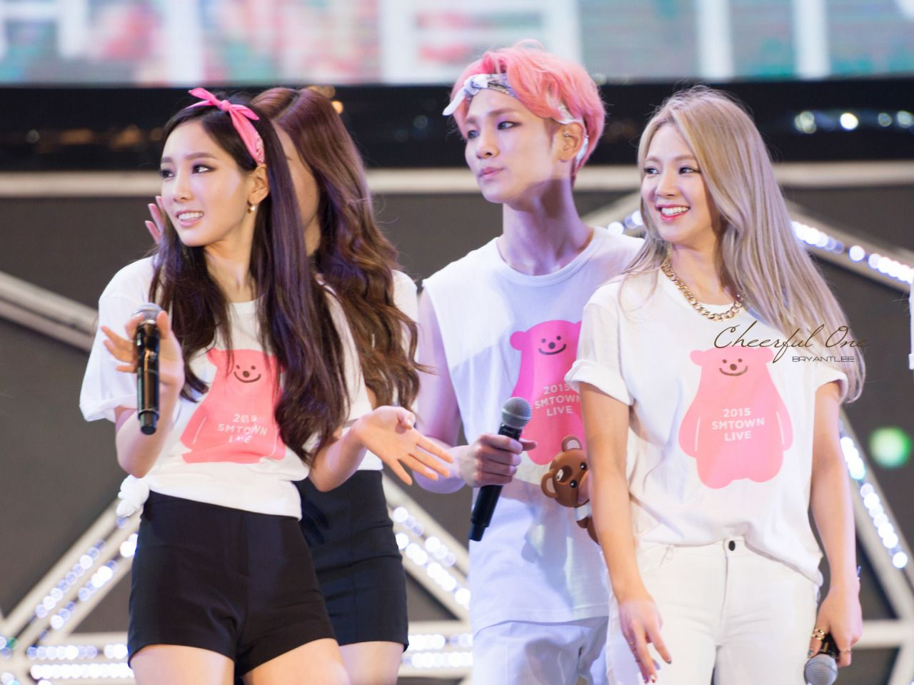 Taeyeon, Key, and Hyoyeon | Kpop Interactions | Girls ...  Taeyeon, Key, a...