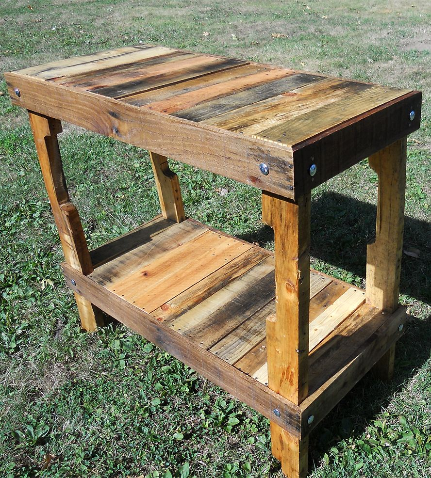Upcycled Pallet Wood Table - Make Man