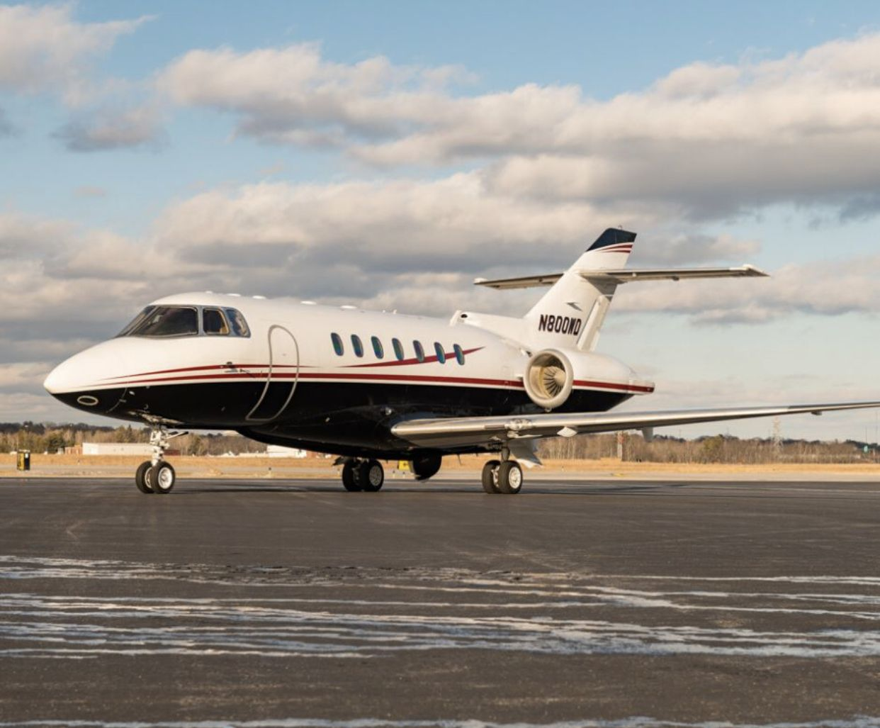 The Hawker 1000A has international range capabilities, and