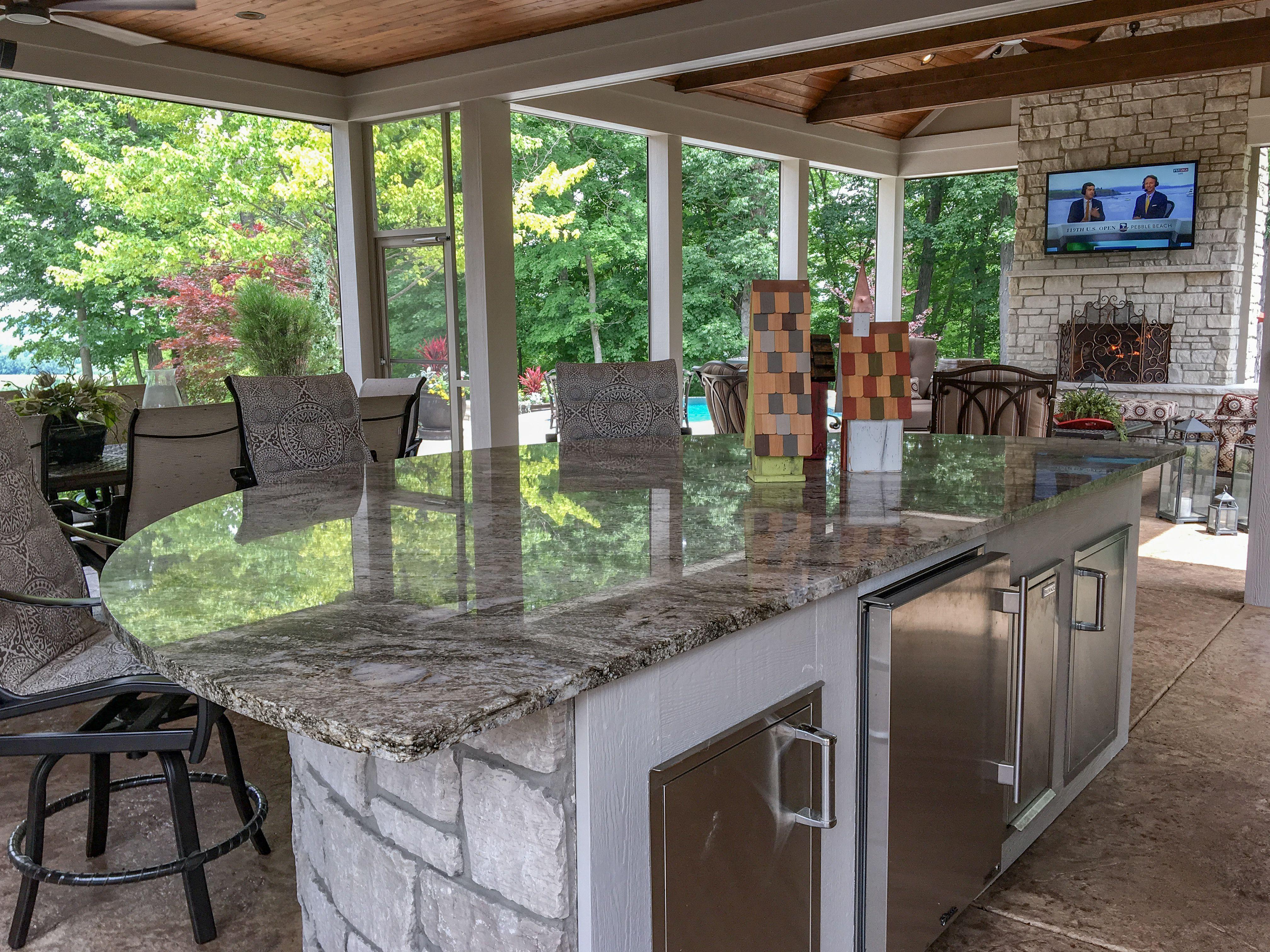 Custom outdoor kitchen island built in St. Louis, Missouri