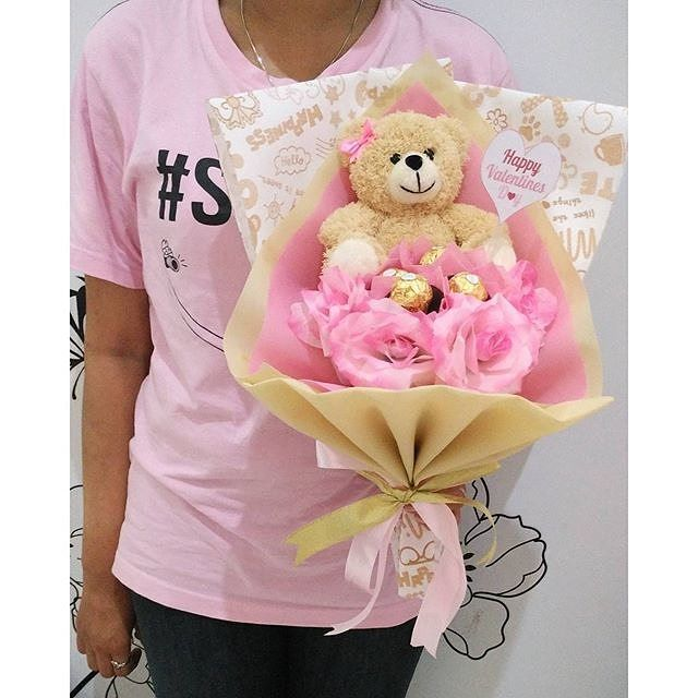 Bless Shop On Instagram Ready Stock Valentine Bouquet With Ferrero Rocher Boneka Coklat Bunga Prize 150 0000 Sudah Termasuk Ongkos Kirim Hadirkan