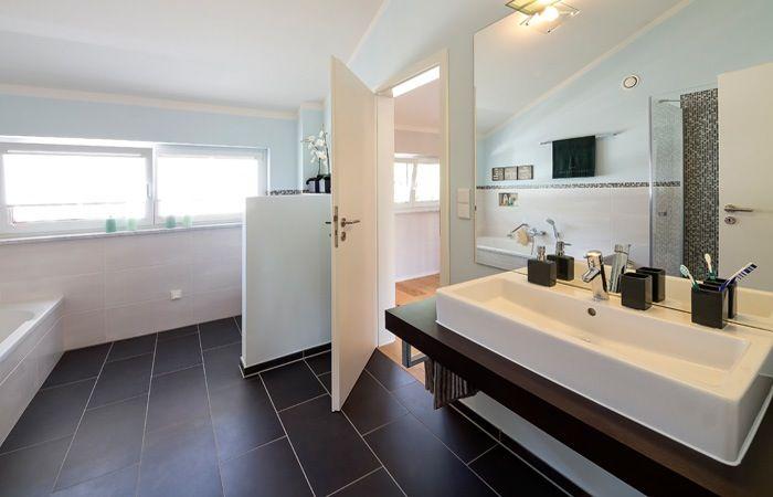 Zwartwit tegels badkamer strak modern badkamer inspiratie
